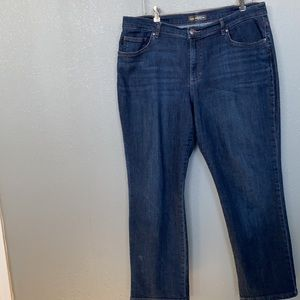 Lee Relaxed Straight Leg Mid Rise Size 16